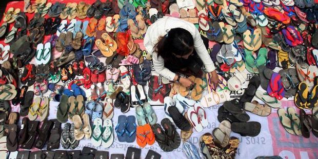 Sandal: symbol of injustice in Indonesia www.internasional.kompas.com