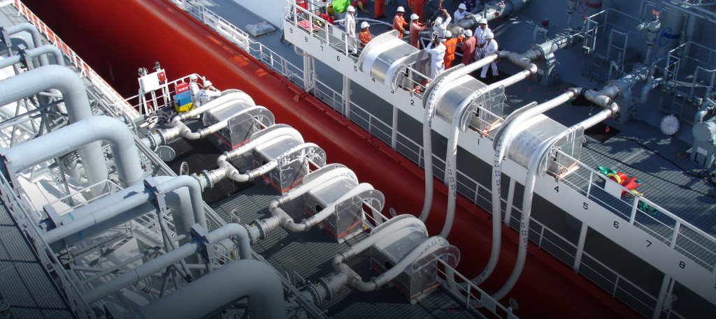 LNG Flexible Hose (http://excelerateenergy.com/sts-lng-transfer/)